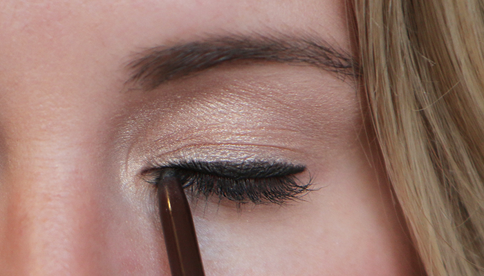3 Ways To Keep Your Liquid Eyeliner From Smudging